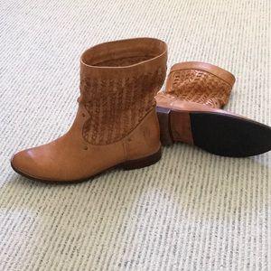Frye Shirley studded camel short pull on boot